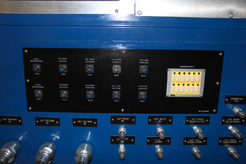 hydraulic and control signal connections